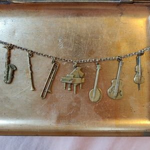 Musical instruments necklace